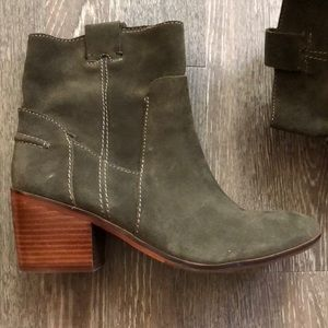 Vince Camino booties 9.5(fit like 8.5/9)